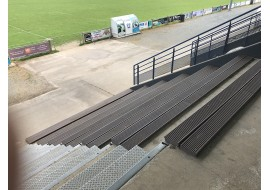 Planches assises de stade
